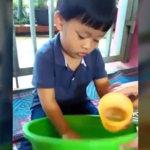 "Bermain air dengan spons Anak-anak KB Islam Al Ikhlas cipete"" on YouTube"