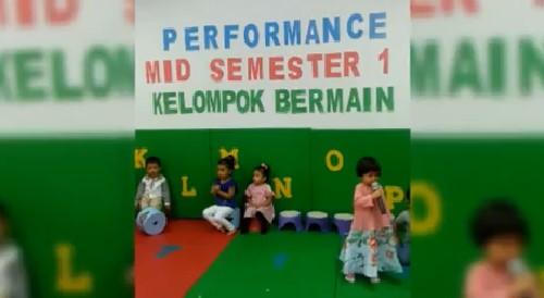 Penampilan Mid Semester 1 Kelompok Bermain Kecil di Sekolah KB/ TK Islam Al-Ikhlas Cipete on Youtube